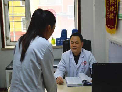 """哈尔滨中亚医院医生怎么样?患者家属说:""""把病人交付到这样的医生手中,我们一百个放心!"""""""
