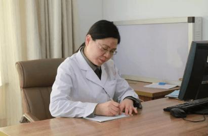 北京军海医院的癫痫诊疗专家鄢军主任 我们都是追梦人 一个行走在癫痫患者心头上的守护者